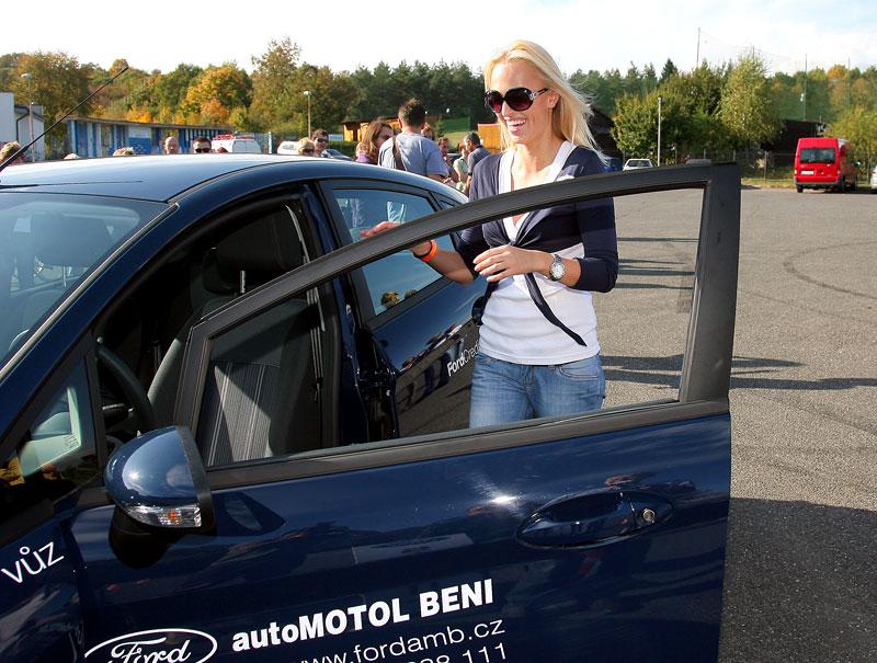 Missky za volantem Fordu Fiesta: - fotka 53