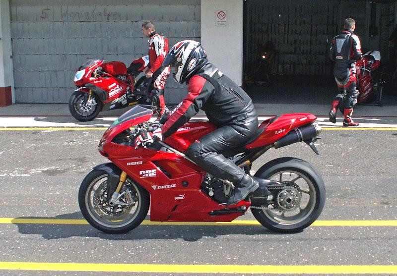 Ducati den - Autodrom Most 2009: - fotka 27