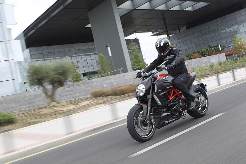 Oficiální představení Ducati Diavel: - fotka 18