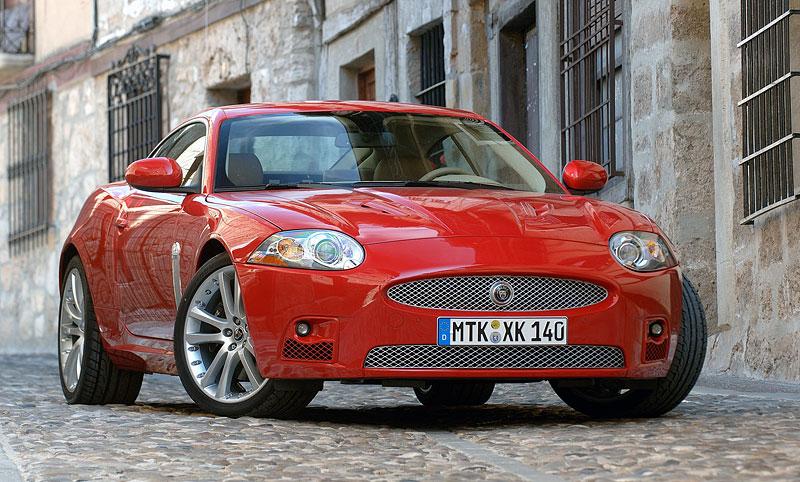Pod lupou: Jaguar R aneb 25 let rychlých koček: - fotka 41
