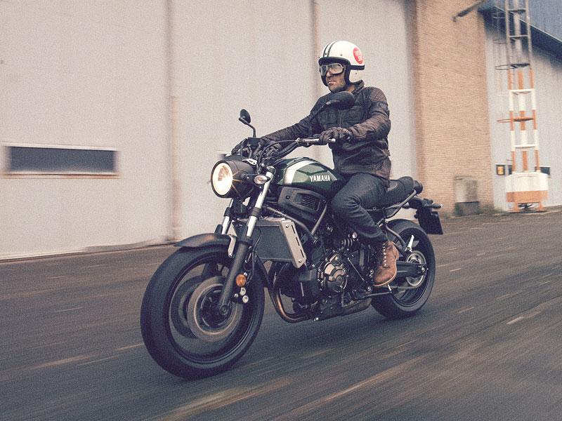 Yamaha XSR700: Rychlý potomek: - fotka 10