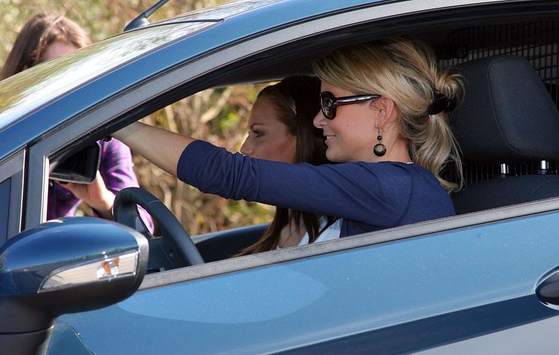 Missky za volantem Fordu Fiesta: - fotka 59
