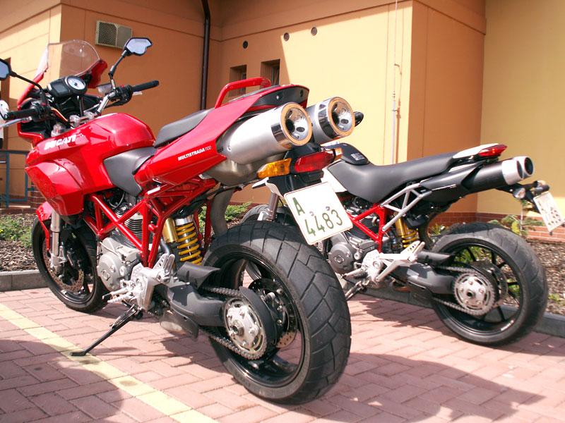 Ducati den v Milíně - 3 červené a 3 bílé: - fotka 8