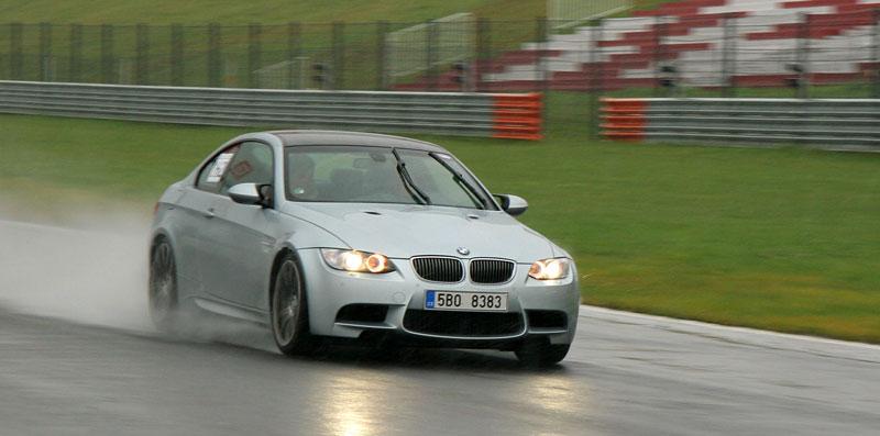 Přijďte na největší setkání sportovních aut u nás: - fotka 29
