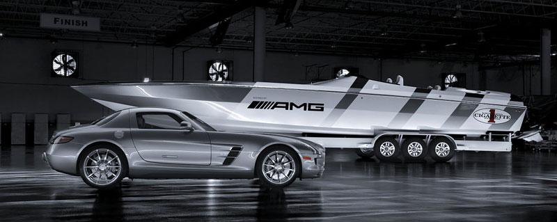 Mercedes-Benz SLS AMG inspirací pro rychlý motorový člun: - fotka 3