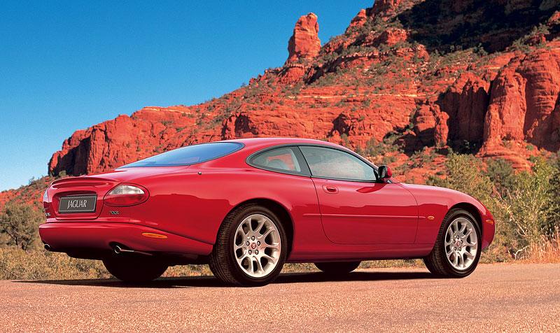 Pod lupou: Jaguar R aneb 25 let rychlých koček: - fotka 44