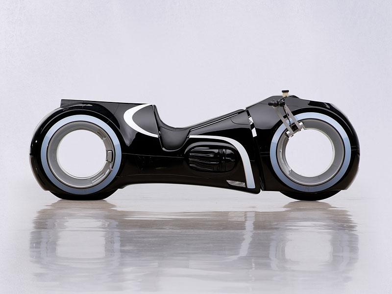 Motorka ze sci-fi Tron: Legacy prodána za 1,9 milionu korun: - fotka 2