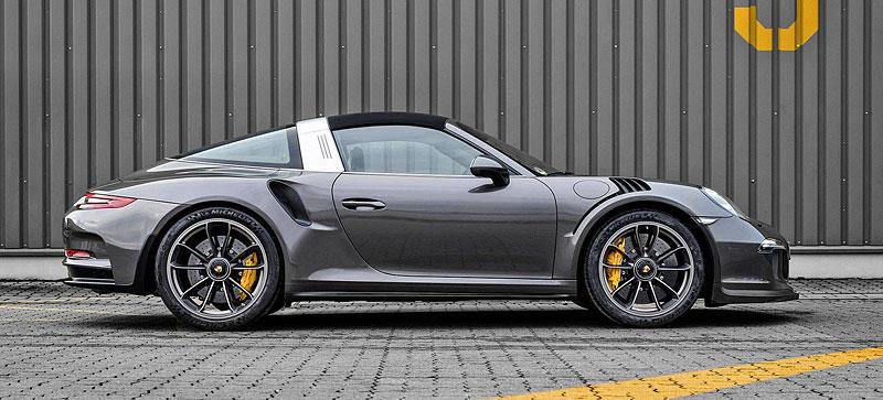 Porsche 911 Targa 4 GTS může být od 911 GT3 RS téměř k nerozeznání: - fotka 7