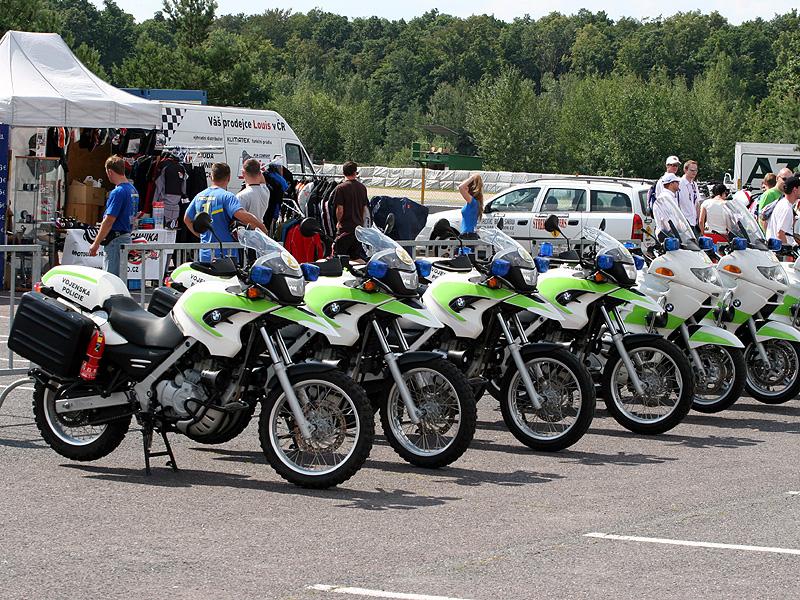 Víkend se Superbiky na brněnském okruhu (velká fotogalerie): - fotka 39
