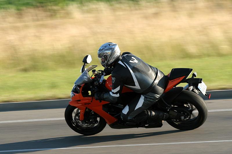 Test - Kawasaki ZX-10R Ninja: král mezi supersporty: - fotka 8