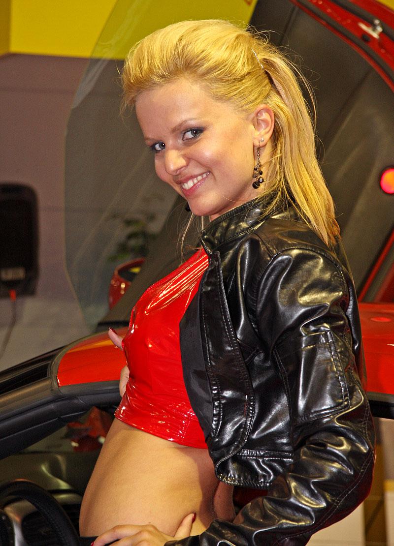 Autosalon Brno 2009 - Babes: - fotka 32