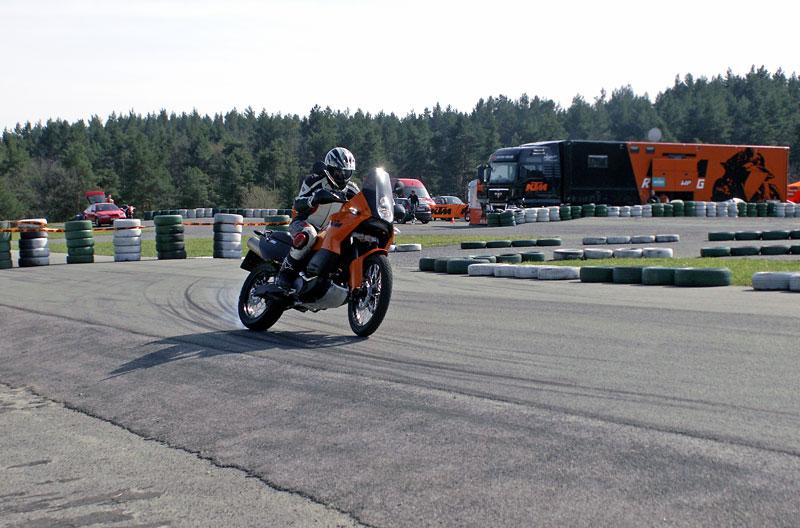 KTM Festival 2010 - oranžový den pod Bezdězem: - fotka 31