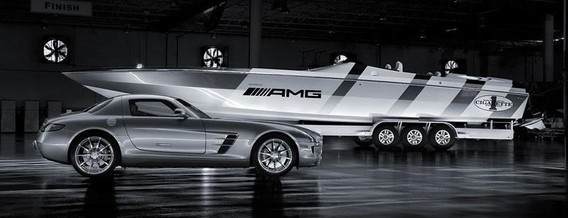 Mercedes-Benz SLS AMG inspirací pro motorový člun Cigarette Racing: - fotka 11