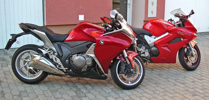 Dueltest - Honda VFR1200F vs. VFR800VTEC (generační srovnání): - fotka 15