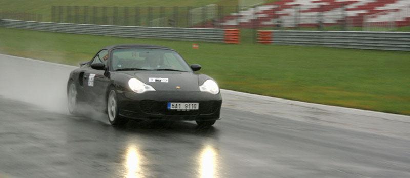 Přijďte na největší setkání sportovních aut u nás: - fotka 31