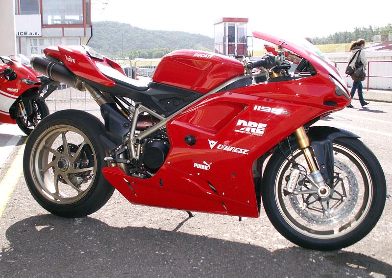 Ducati den - Autodrom Most 2009: - fotka 32