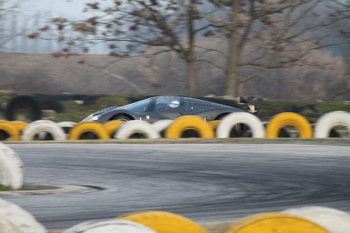 Ferrari P4/5 Competizione: první úspěšné testy na Nürburgringu: - fotka 37