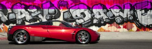 Pagani slibuje, že ve svých autech nechá dvanáctiválec a manuální převodovku: - fotka 6