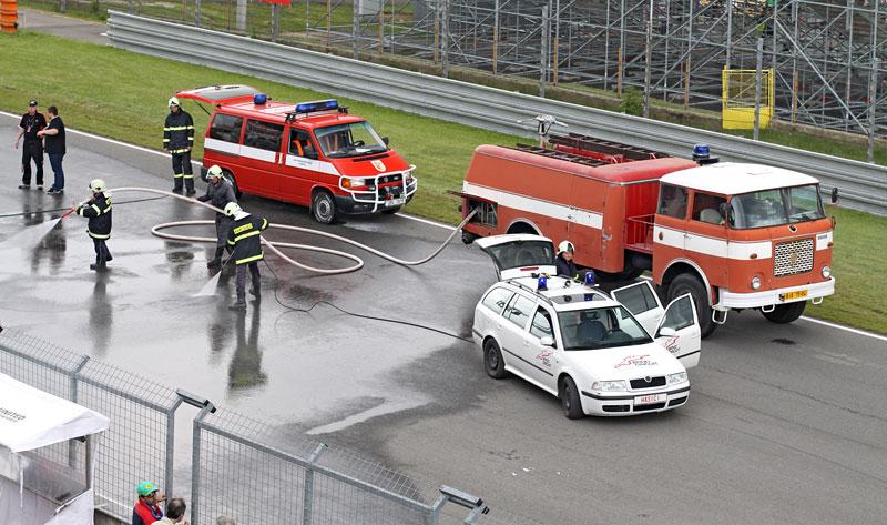 FIA GT: ošklivá havárie při závodě v Brně: - fotka 34