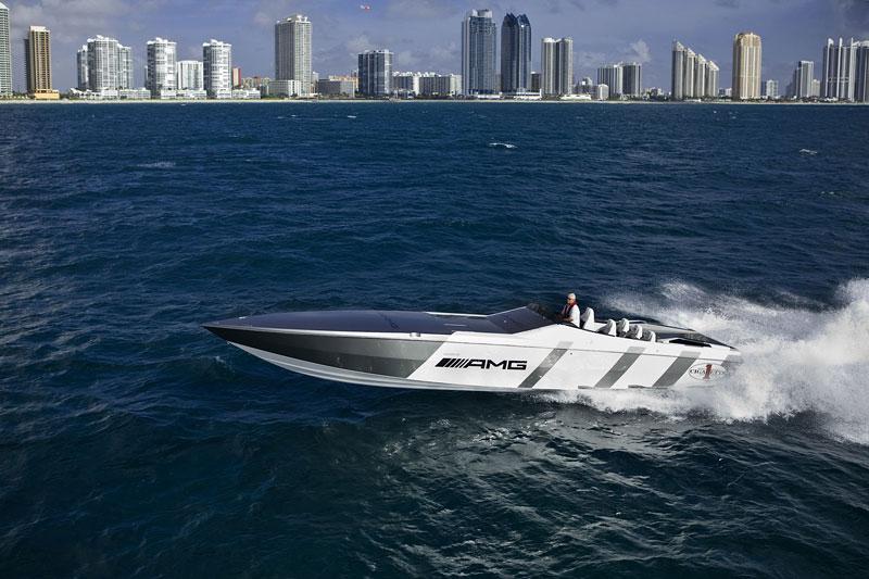 Mercedes-Benz SLS AMG inspirací pro motorový člun Cigarette Racing: - fotka 13