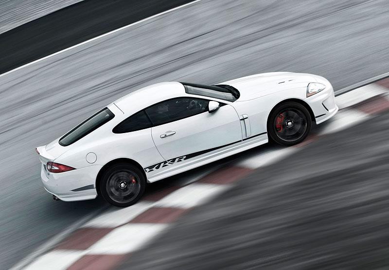 Pod lupou: Jaguar R aneb 25 let rychlých koček: - fotka 48