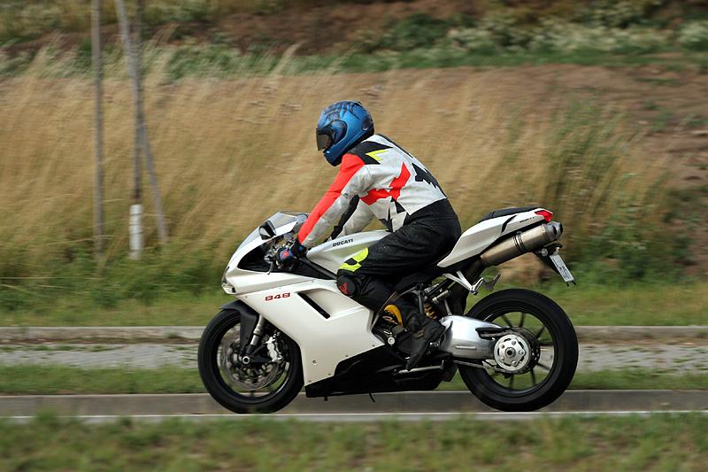 Top 10 roku 2009: Motorky: - fotka 16