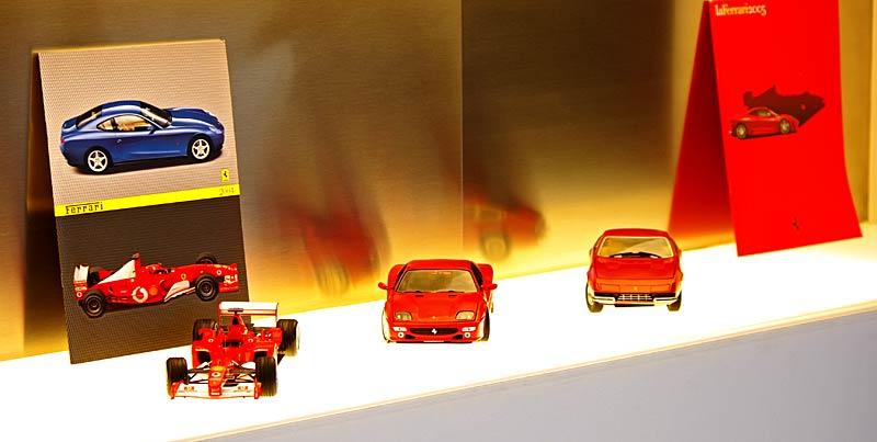 Felipe Massa otevřel v Praze showroom Ferrari: - fotka 36