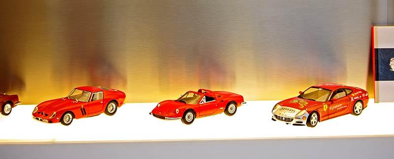Felipe Massa otevřel v Praze showroom Ferrari: - fotka 37