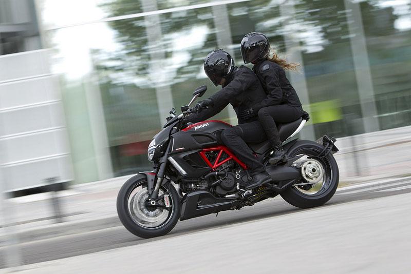 Oficiální představení Ducati Diavel: - fotka 27
