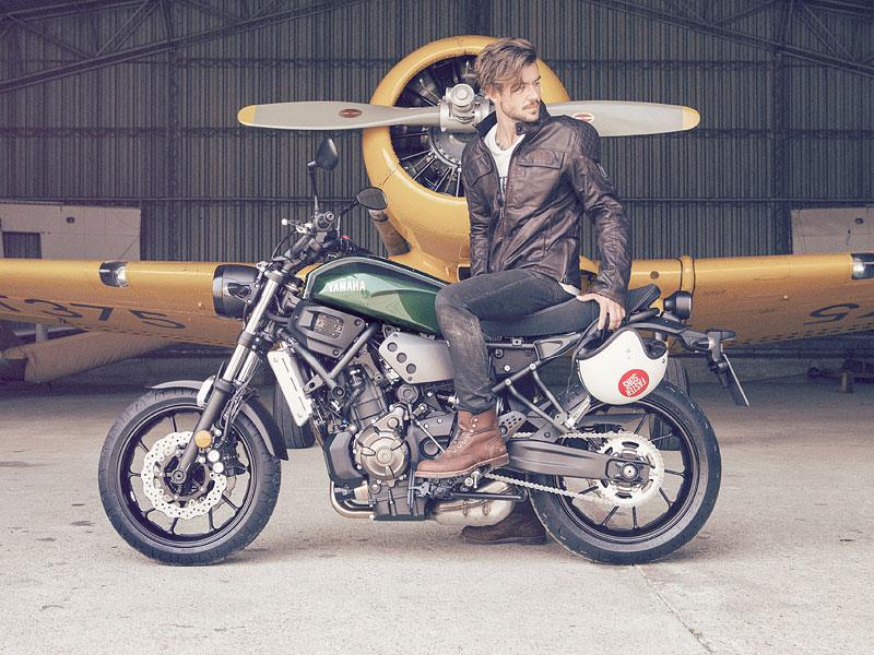 Yamaha XSR700: Rychlý potomek: - fotka 17