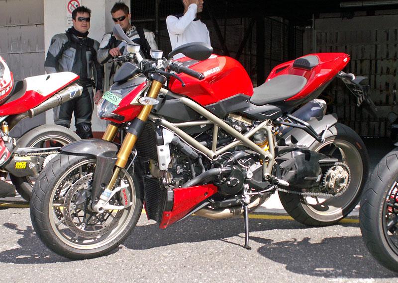 Ducati den - Autodrom Most 2009: - fotka 37