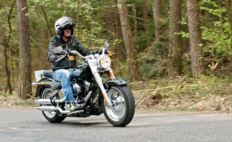 Za řídítky Harley-Davidson: Electra Glide, Road King a V-Rod: - fotka 31