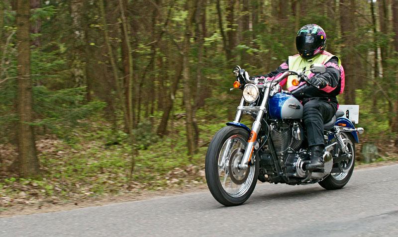Za řídítky Harley-Davidson: Electra Glide, Road King a V-Rod: - fotka 32