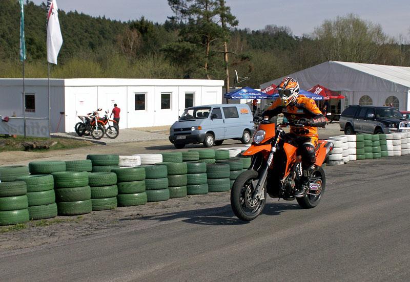 KTM Festival 2010 - oranžový den pod Bezdězem: - fotka 38