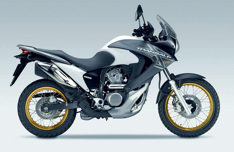 Intermot 2010 - Honda pouze v jiných barvách: - fotka 21