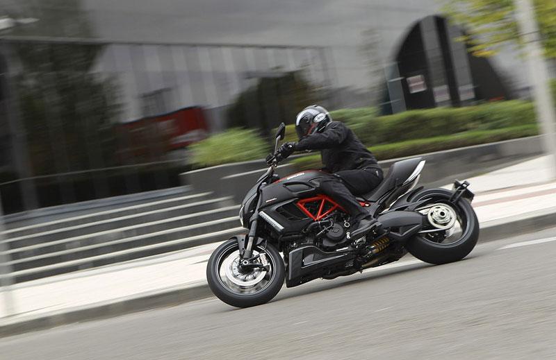 Oficiální představení Ducati Diavel: - fotka 29