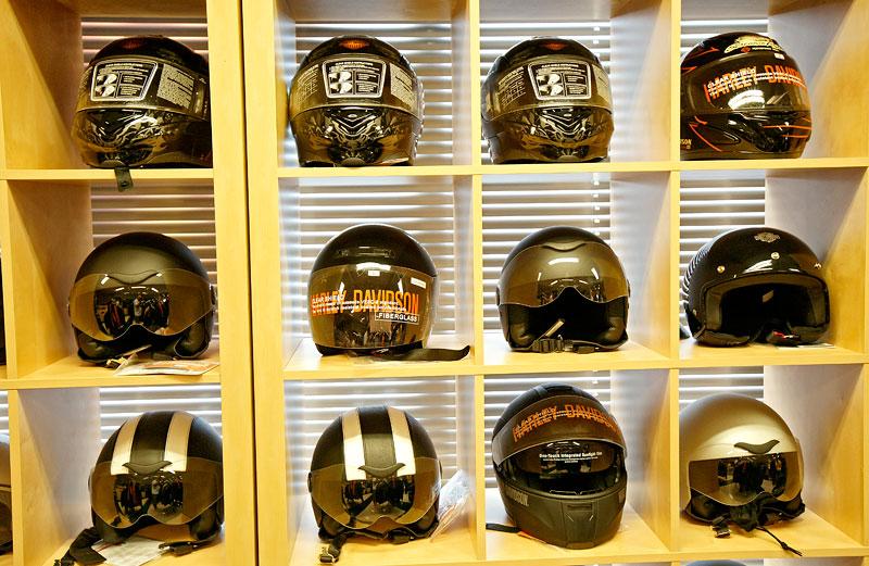 Za řídítky Harley-Davidson: Electra Glide, Road King a V-Rod: - fotka 48