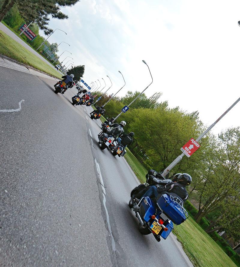 Za řídítky Harley-Davidson: Electra Glide, Road King a V-Rod: - fotka 52