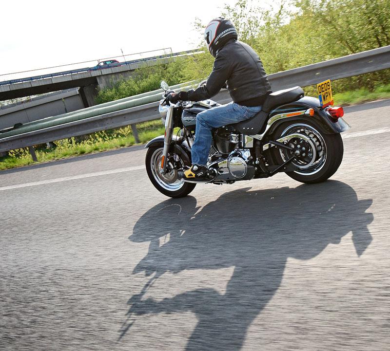 Za řídítky Harley-Davidson: Electra Glide, Road King a V-Rod: - fotka 55