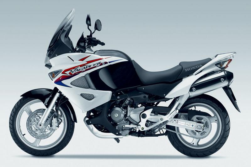 Intermot 2010 - Honda pouze v jiných barvách: - fotka 22