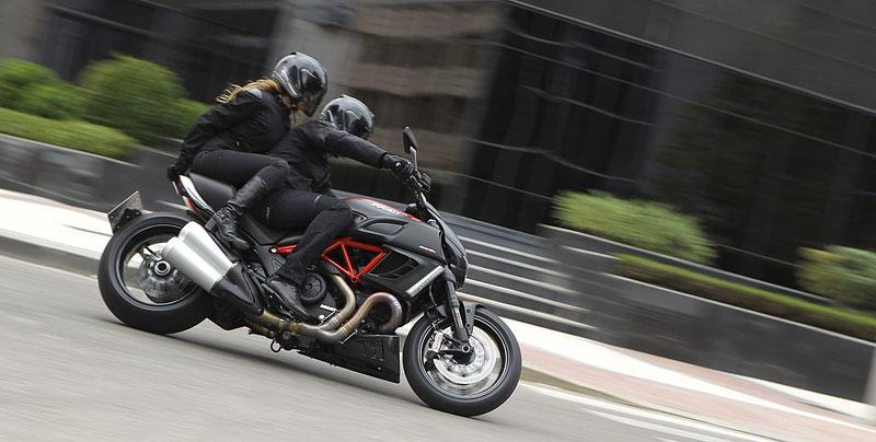 Oficiální představení Ducati Diavel: - fotka 30