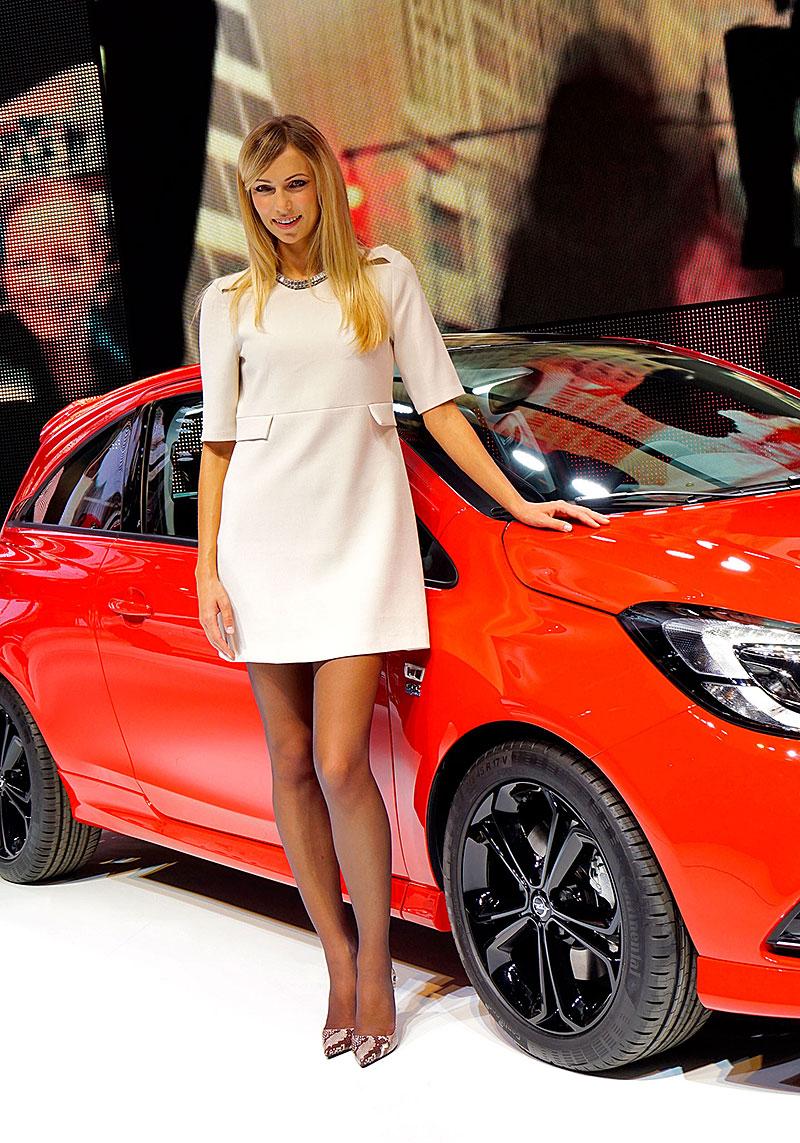 Paříž 2014: Modelky: - fotka 71