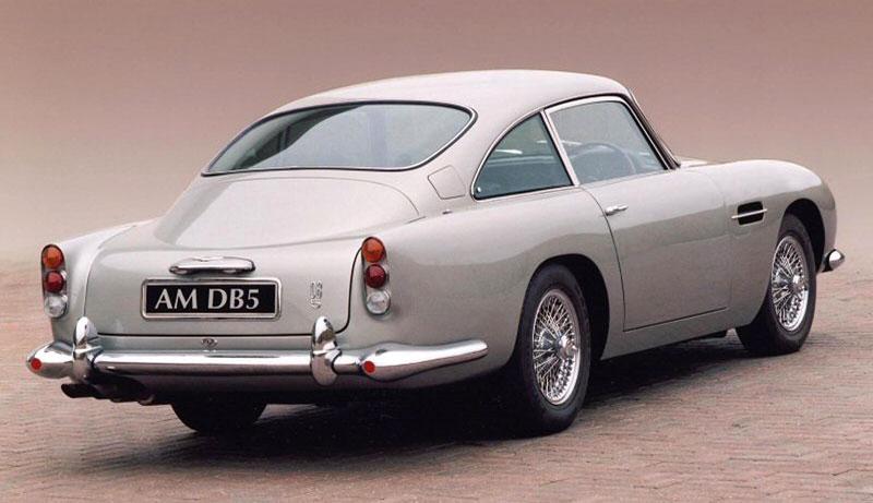 Aston Martin DB5 po Jamesi Bondovi míří do aukce: - fotka 18