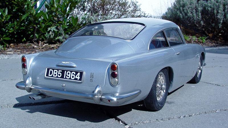 Aston Martin DB5 po Jamesi Bondovi míří do aukce: - fotka 19