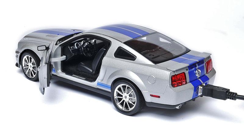 500GB hard disk ukrytý v Shelby GT500KR: - fotka 3