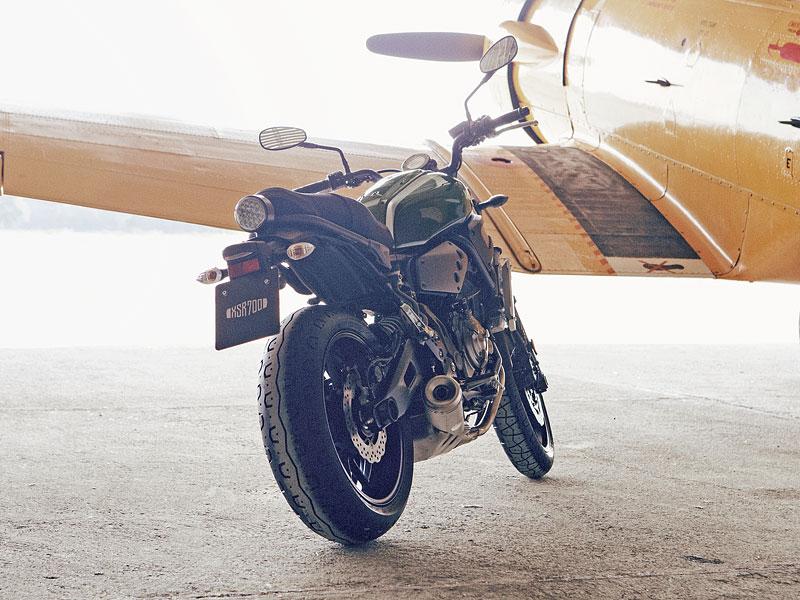 Yamaha XSR700: Rychlý potomek: - fotka 21