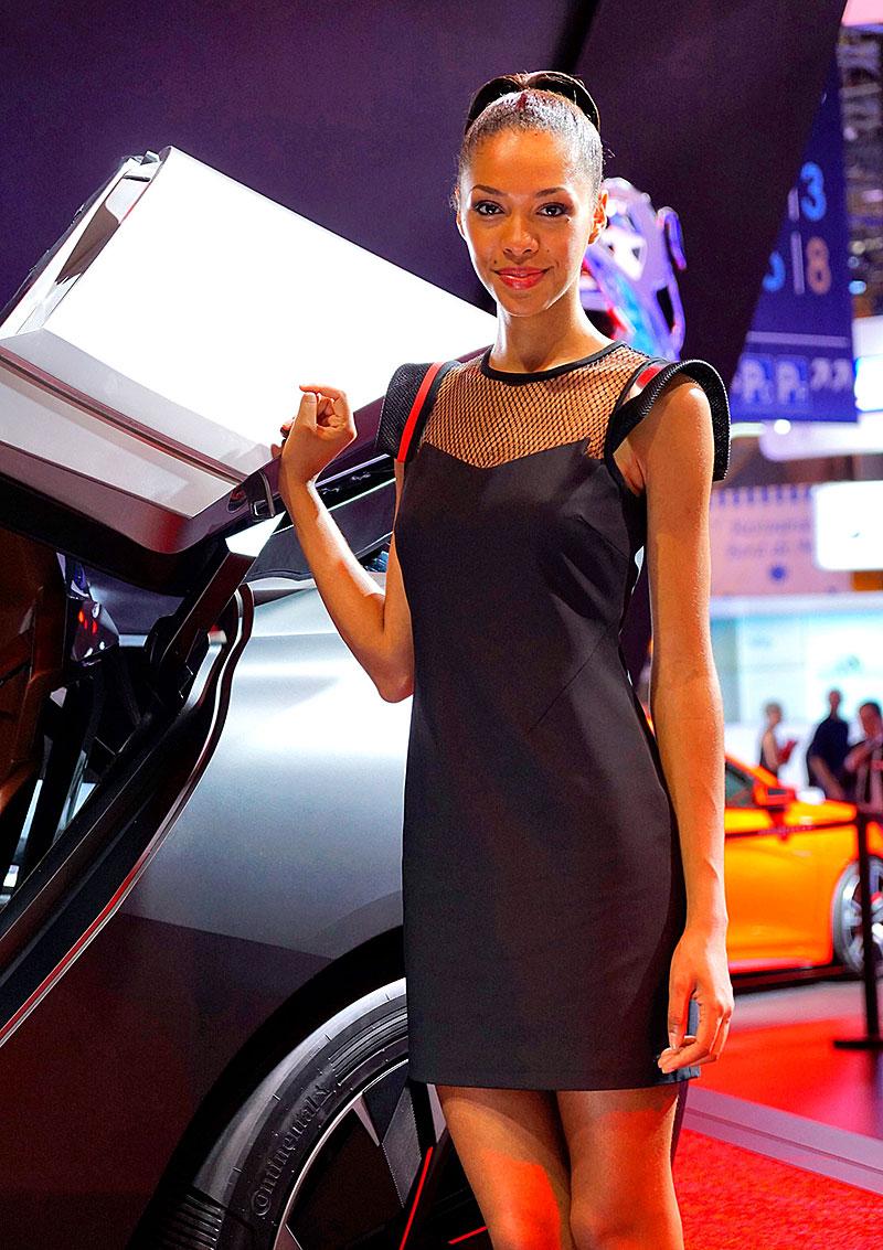 Paříž 2014: Modelky: - fotka 72