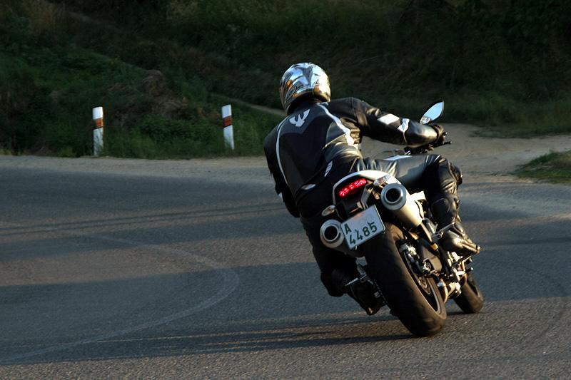Test - Ducati Monster 696 - první z nové vlny: - fotka 19