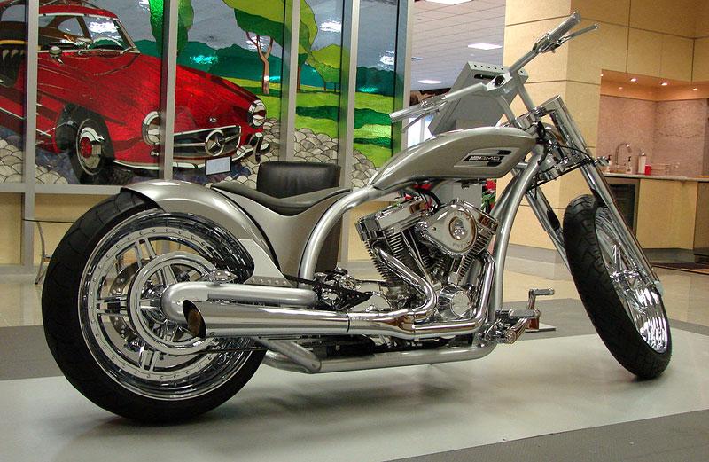 Mercedes-Benz AMG Chopper - show-bike z dílny OCC: - fotka 6
