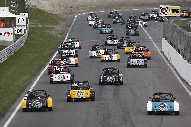 Essen Motor Show 2010: velká fotogalerie závodních aut: - fotka 41